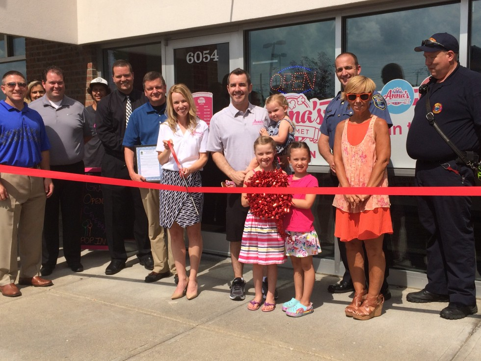 Anna's Gourmet Popcorn Ribbon Cutting